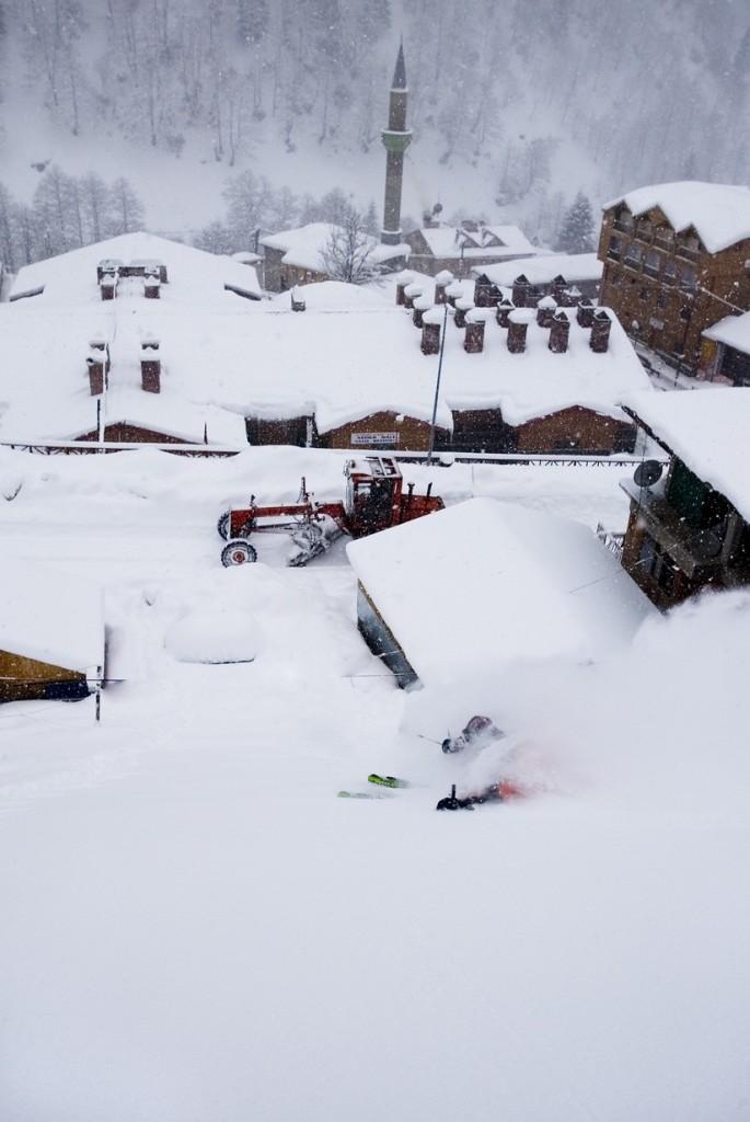 Argentinian skier Tato Vasiuk. Big Powder day in the village of Ayder, Turkey. Photo: Benoît Vollmer