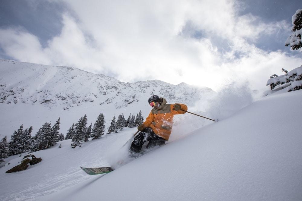 colorado ski resorts close